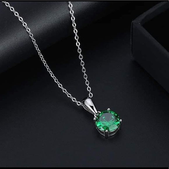 S925 May (emerald) birthstone necklace